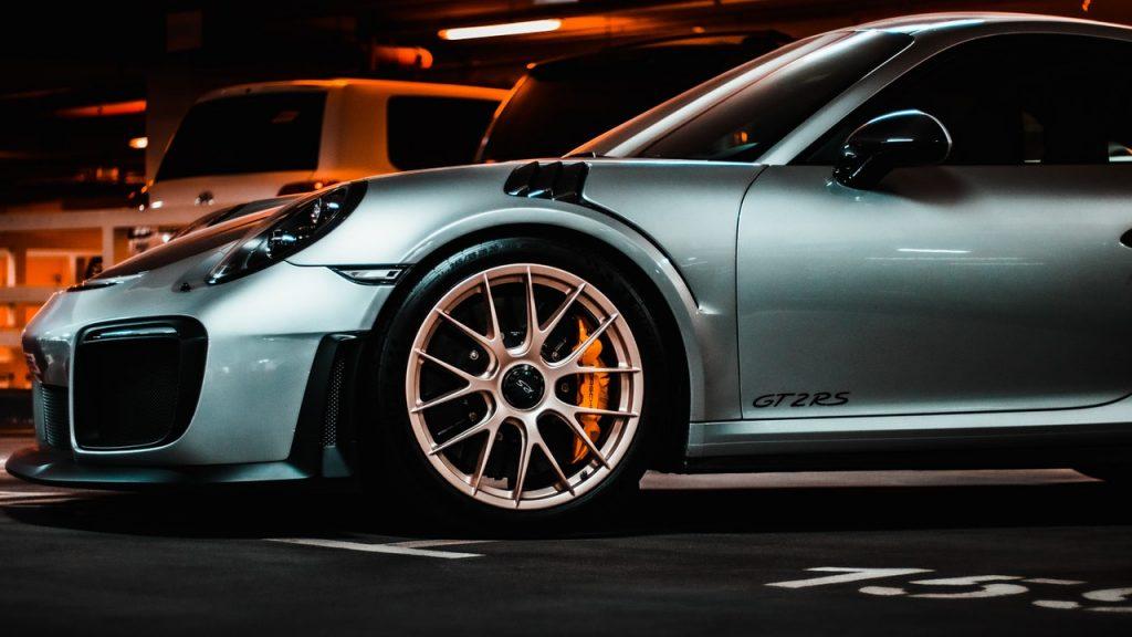 Porsche grise voiture courses sportive